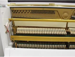 piano restaurado